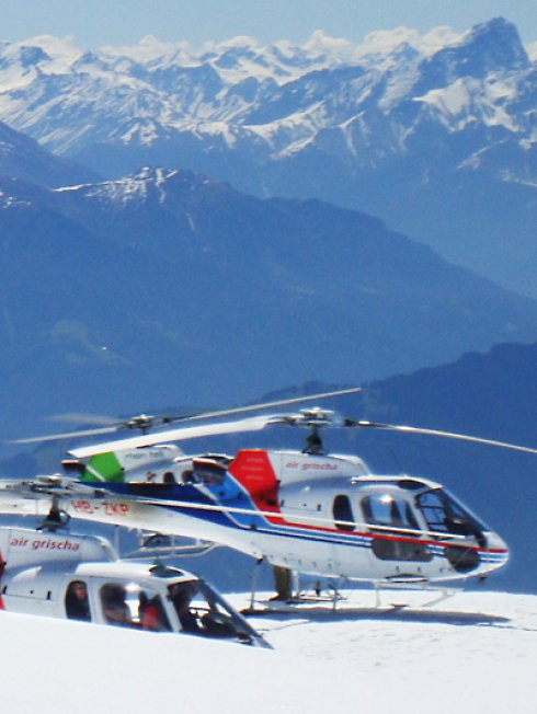 Aperitif on a glacier – by helicopter!